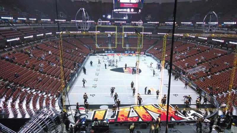 Honda Center, section: 424, row: M, seat: 8