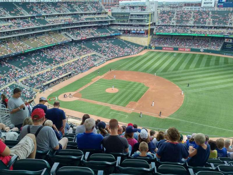 Seating view for Target Field Section 307 Row 10 Seat 9